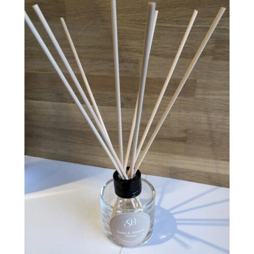 Tonka and Tobaccos Flower Handmade and hand poured essential oil diffusers York